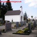 Gemeindlicher Friedhof (1924, erw. 1947) mit Leichenhaus (1957)